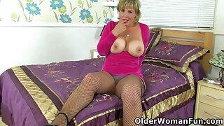 Devon Breeze In Busty Mature Danielle Massages Her Milf Clit
