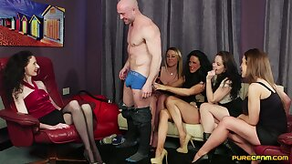 Lucky sponger gets blowjobs from Dolly Diore plus her lam out of here friends